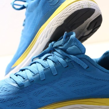 topo-athletic-fli-lyte
