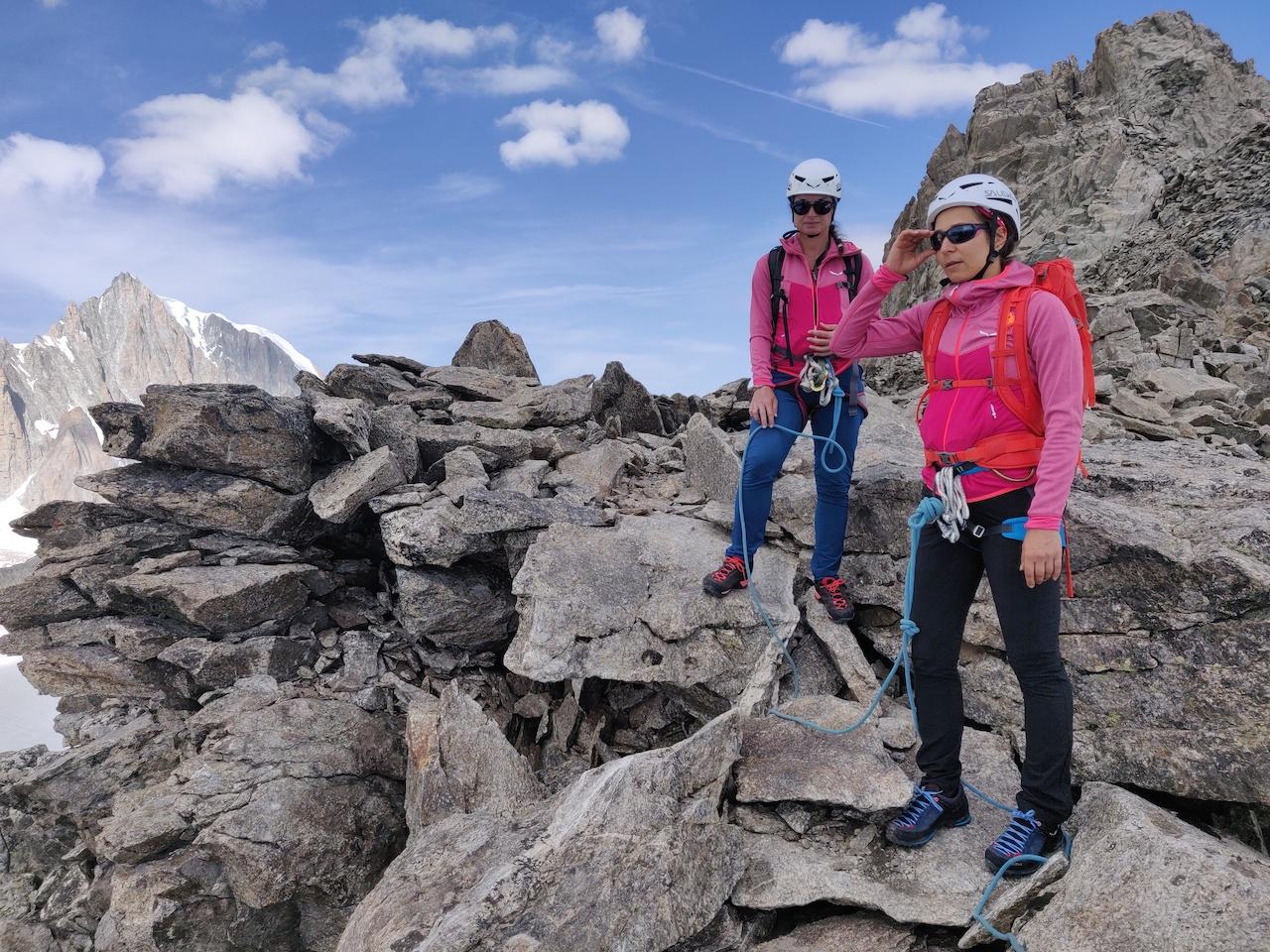 Imparando la roccia sulla cresta delle Aiguilles Marbrées