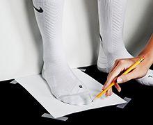 Medir los pies para encontrar la talla de la zapatilla - Paso 2