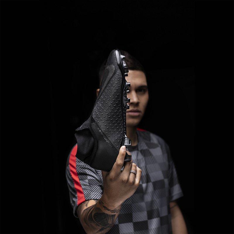 Nike Phantom Vision All Black - Juanfer Quintero