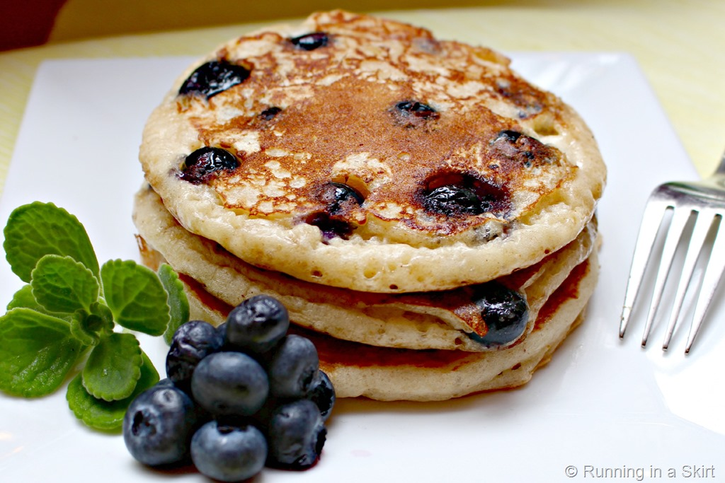 Greek_yogurt_blueberry_pancakes_2.jpg