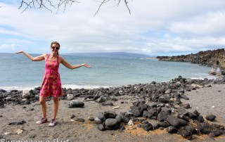Best Maui Hikes - past La Perouse Bay hike to black, white and green sand beach called Keawanaku./ Running in a Skirt