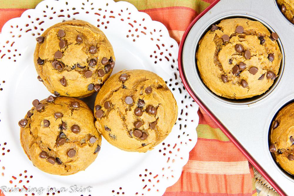 3 Ingredient Pumpkin Chocolate Chip Muffins / Running in a Skirt