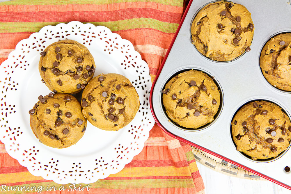 3 Ingredient Pumpkin Chocolate Chip Muffins recipe / Running in a Skirt
