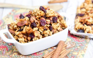 Cranberry & Almond Crock Pot Granola Recipe / Running in a Skirt