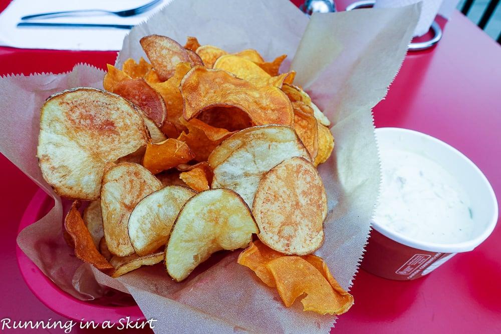 farm-burger-chips