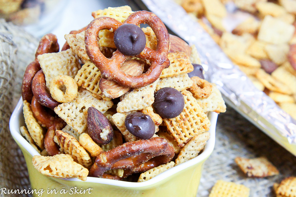 Healthy Crock Pot Chex Mix -- Honey Nut & Dark Chocolate Chex Mix / Running in a Skirt