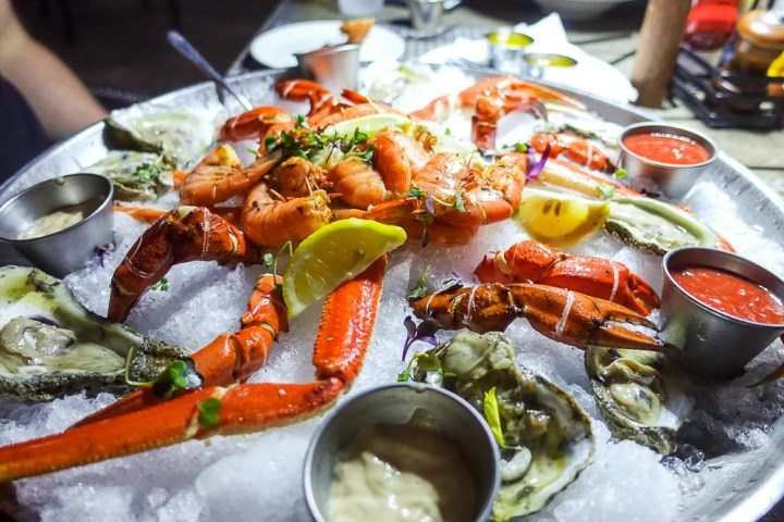 Best Seafood Restaurants in Hilton Head - crab, oysters and shrimp.