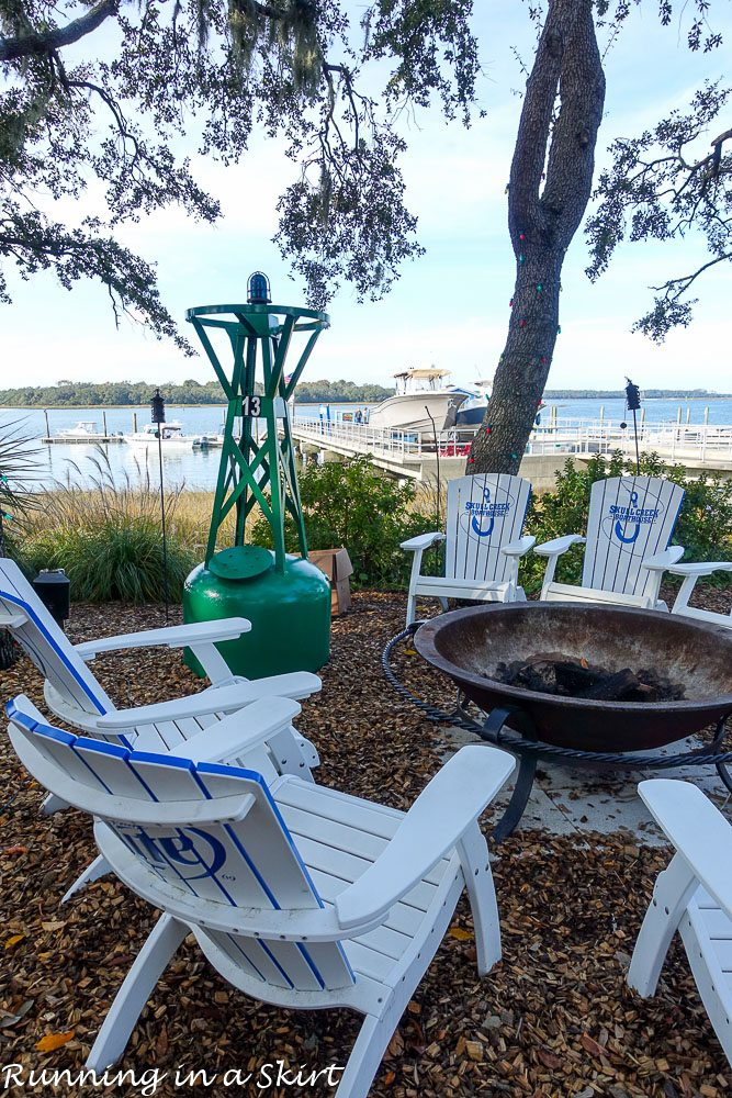 Best hilton head eats try these great hilton head for Fish seafood and raw bar hilton head