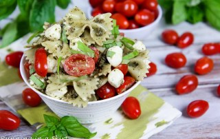 Caprese Pasta Salad with pesto
