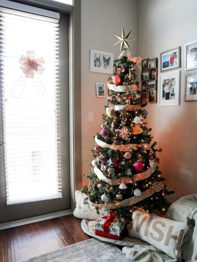How to decorate an apartment for Christmas featured by top us fashion and lifestyle blogger, Running in Heels: Christmas tree in small apartment