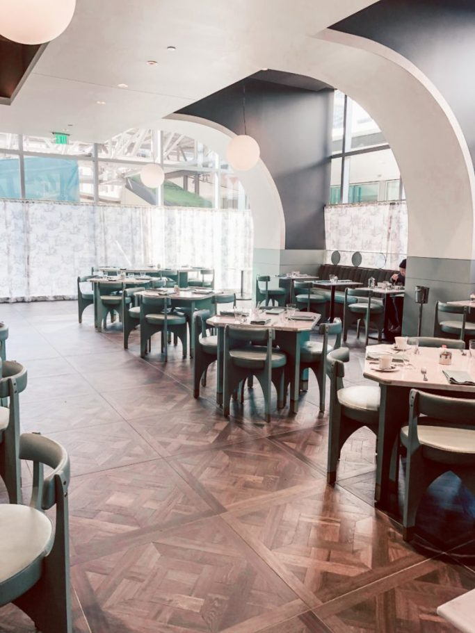 Where to stay in Houston: Hotel Alessandra restaurant, Lucienne tables