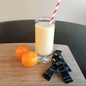 Citrus Mango Rehydrating Smoothie | Meatless Monday | Running on Happy