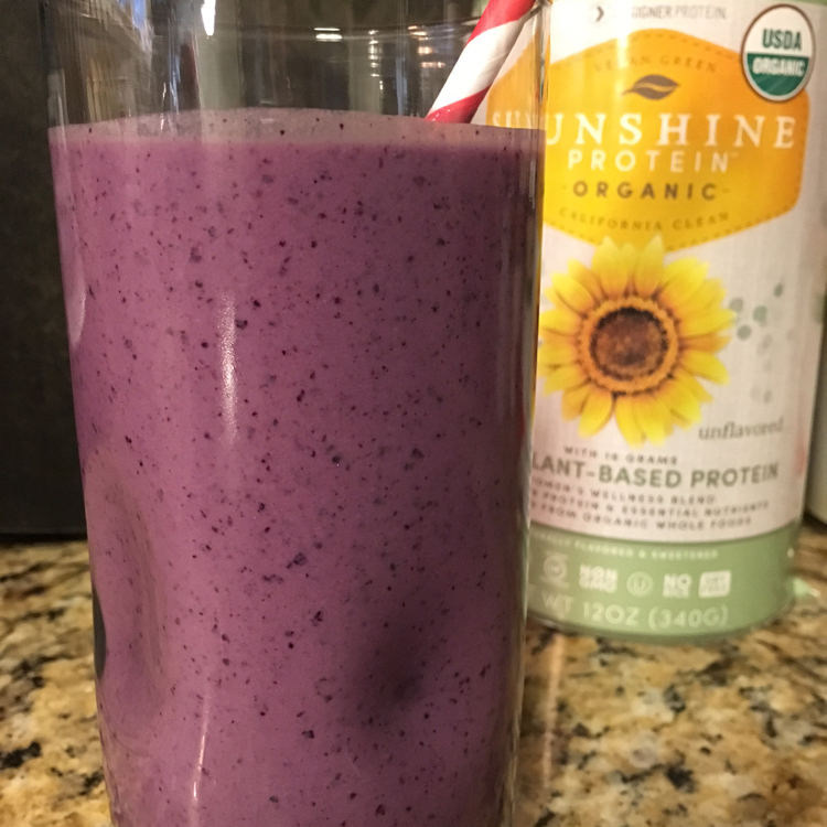 Berry Cherry Anti-Inflammatory Smoothie | Health Up Your Holidays | Meatless Monday | Running on Happy