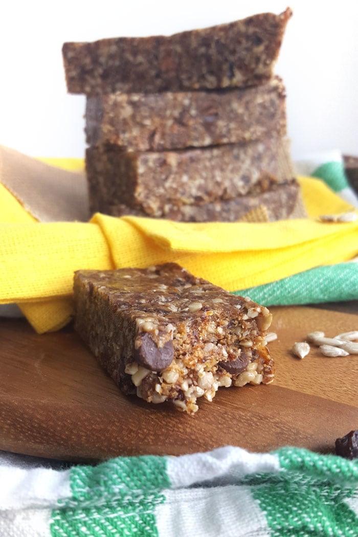 Nut-Free No-Bake Vegan Chewy Granola Bars! Featuring sunflower seeds, raisins and tahini.