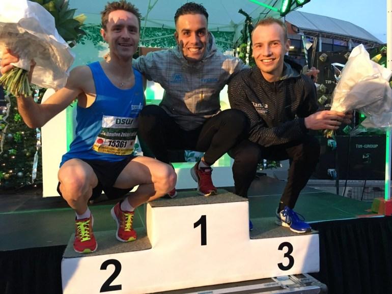 Khalid Choukoud wint 29ste editie van de DSW Bruggenloop Rotterdam met een parcoursrecord