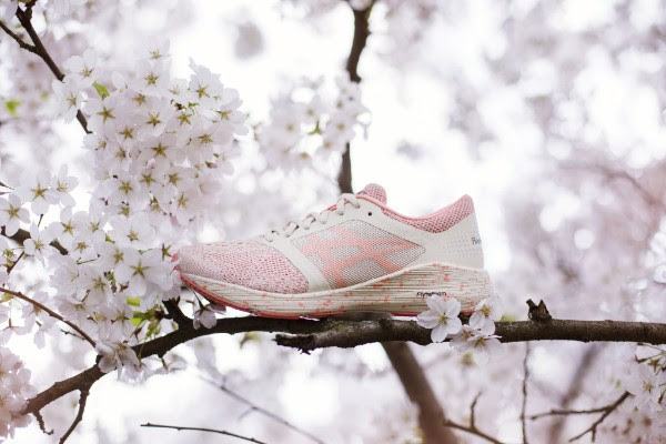 ASICS Sakura collectie