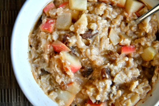 Healthy Baked Apple Cinnamon Raisin Oatmeal