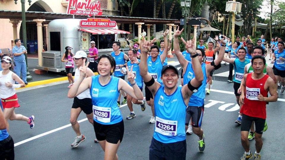 Merry Marathon: Festive Cheer to Greet Runners at SCM 2012