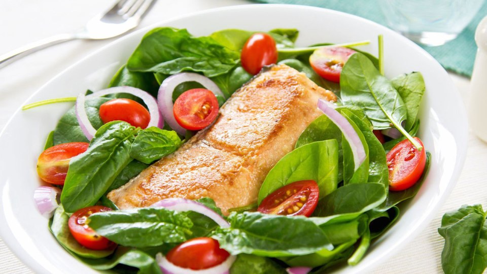 A Bountiful Balance: Spinach Salmon Salad