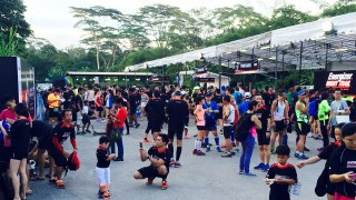 Saturday Night Lights: Energizer Singapore Night Trail 2015