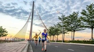 "DaNang International Marathon 2017: Why You Should ""Hang in DaNang"", Adventurous Runners!"
