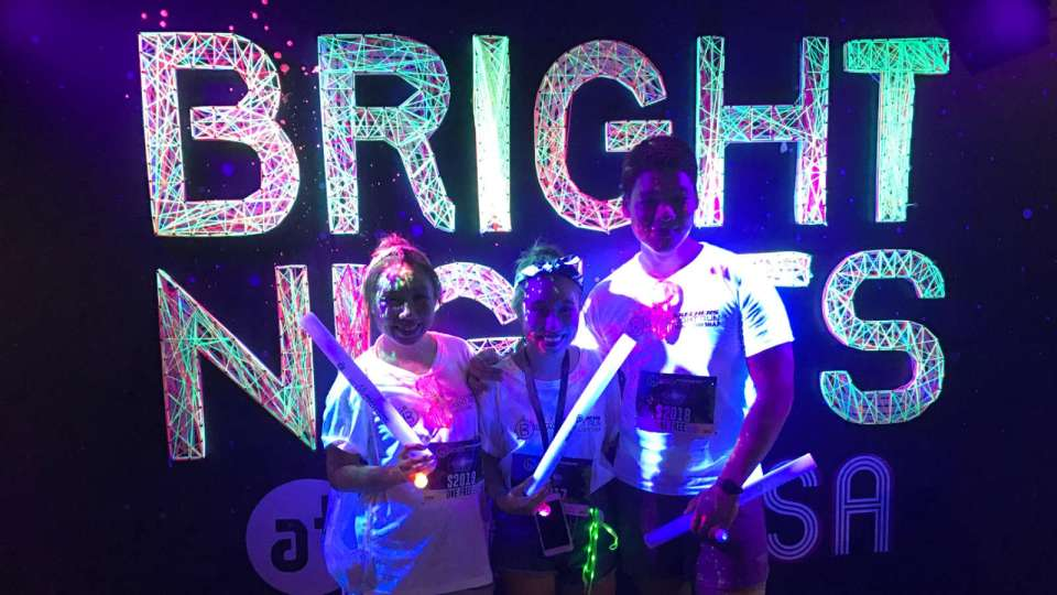 Skechers-Blacklight-Run-2017-Race-Review-We-Had-A-Glowing-Good-Time-thumb