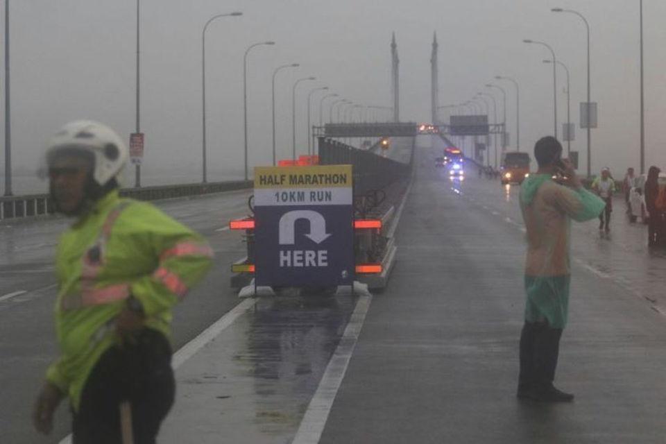 Runner Narrowly Escaped Death at Penang Bridge Marathon 2018