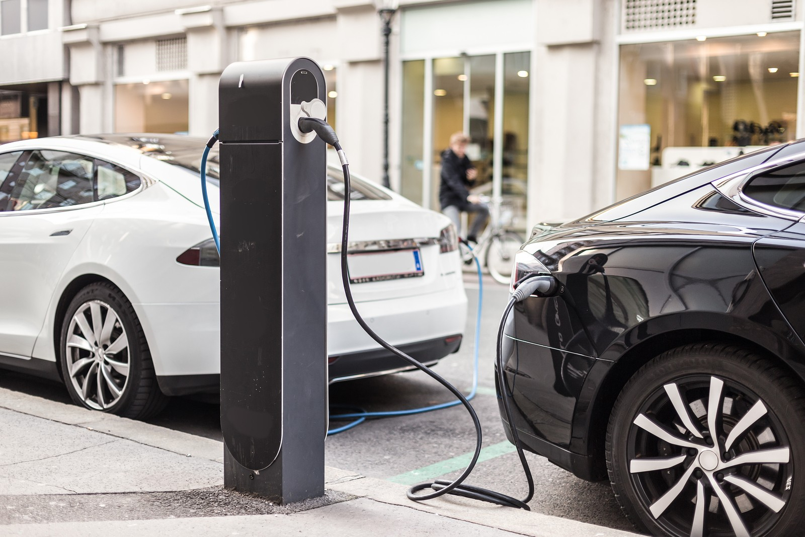 Buying An Electric Vehicle: How To Save Money And Stay Healthy