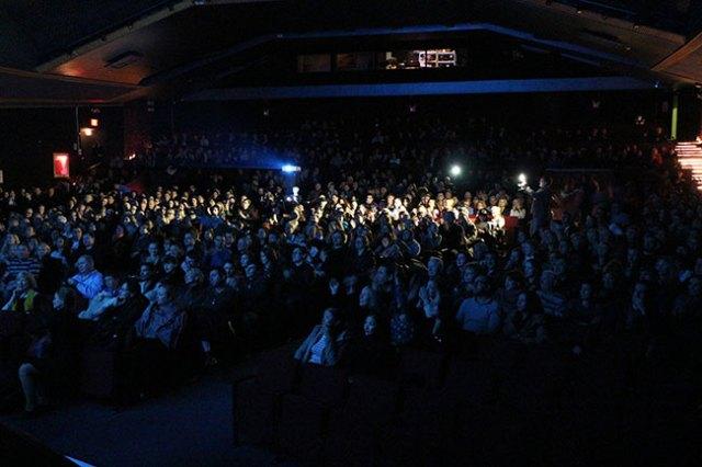 Зрительный зал на на премьере фильма «Самый лучший день» в Нью-Йорке.