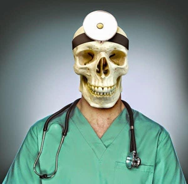 هل أنت مصاب بمتلازمة طالب الطب ؟