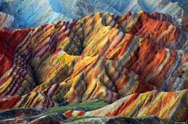 جبال قوس قزح بالصين و جمال طبيعي خلاب