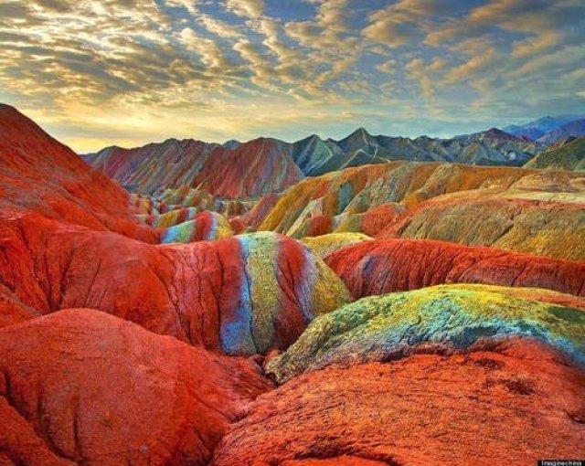جبال قوس قزح بالصين و جمال طبيعي خلاب 7