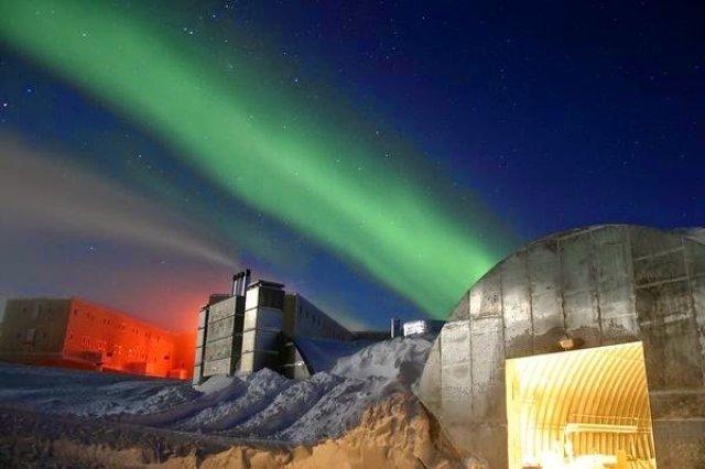 الشفق القطبي ( الاورورا ) : أجمل الظواهر الجوية 4