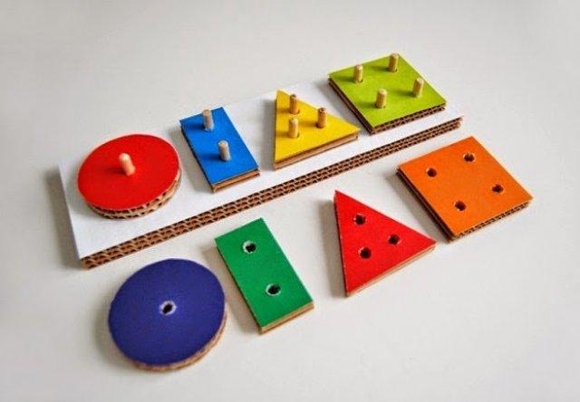 2- لعبة الأشكال المتقابلة