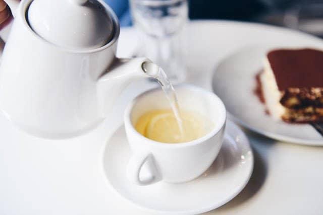 كوب شاي أخضر