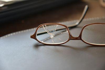 لماذا يتجاهل أطباء العيون تلك النظارة وما سر عملها ؟ Pinhole Glasses 6