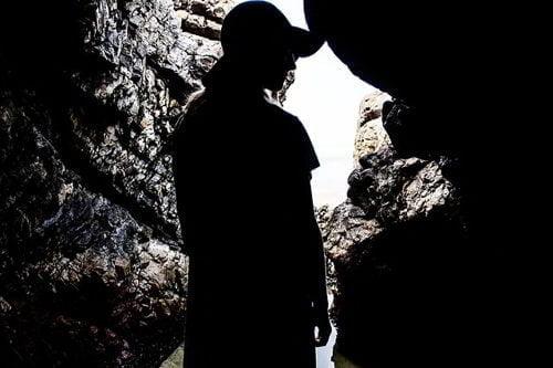 ما الذي يمكن أن تفعله العزلة في الظلام لمدة شهر كامل ؟ 1