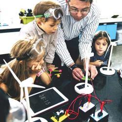 مساحات الصناع Makers Spaces : فرصة ثمينة لتعليم  أكثر إبداعاً ! 2