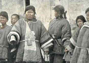 Frauen in Deutsch-China (Tsingtao) im Jahr 1910. Foto: Albert Friedenthal, public domain