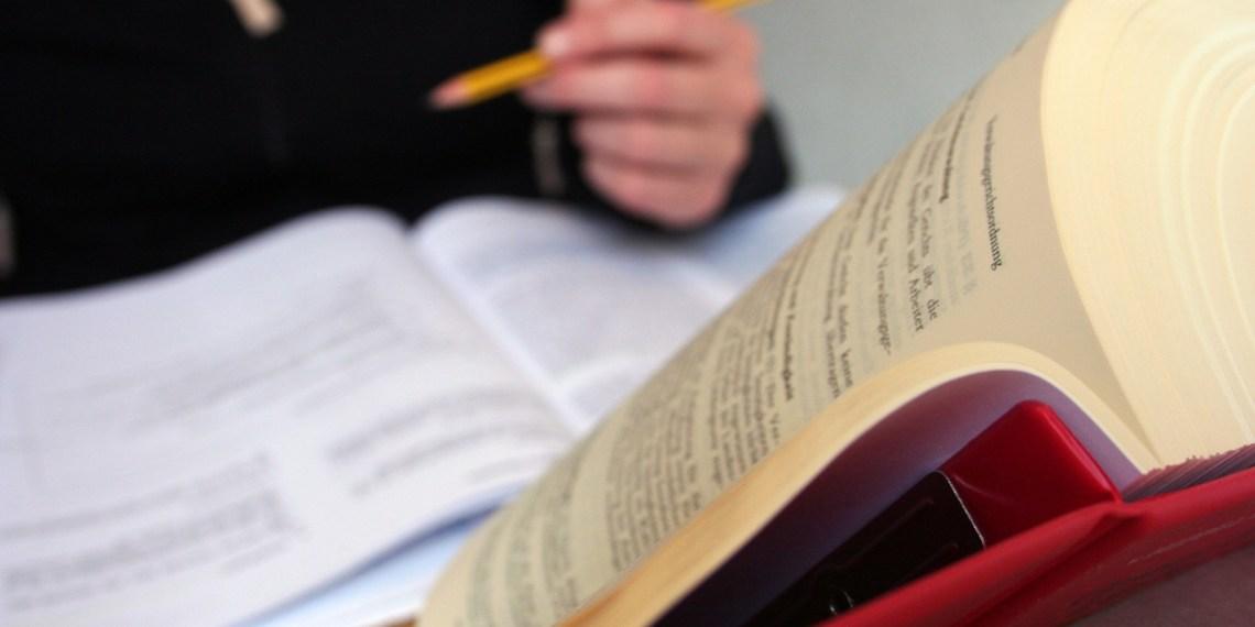 Das Jurastudium ist oft trocken und abstrakt. ProBono will Studenten mit echten Fällen in Berührung bringen. Foto: asthmatic/flickr.com (CC BY-NC-SA 2.0 - https://creativecommons.org/licenses/by-nc-sa/2.0/de/)