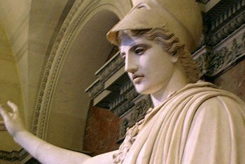 Pallas Athene, die griechische Göttin der Vernunft (Statue im Louvre, Paris). Bild: Wikimedia commons/ Marie Lan-Nguyen