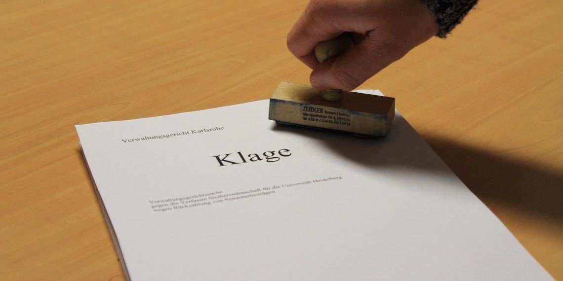 In ihrer Klageschrift fordern die Jura-Studierenden ihre VS-Beiträge zurück. Bild: Simon Koenigsdorff.