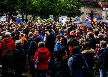 Am Ende des Marsches versammelten sich die Teilnehmer auf dem Universitätsplatz. (Bild: Phillip Hiller)