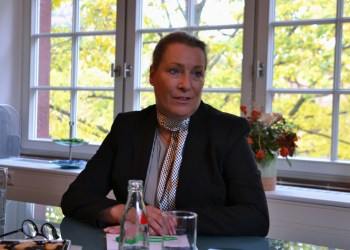 Tanja Modrow in ihrem neuen Büro im Marstallhof. Foto: Hannah Steckelberg