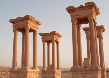 Die antike Stadt Palmyra ist eine wichtige Kulturstätte und gehört zum UNESCO Weltkulturerbe. Durch IS-Terroristen wurden einige Teile der erhaltenen Stadt zerstört. (Quelle: pxfuel)