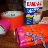 Duct Tape Mini First Aid Kit Roll #Craft Tutorial #DIY