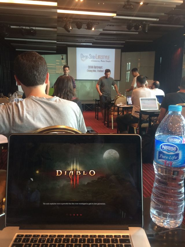Playing Diablo 3 at the Drop Ship Lifestyle retreat in Chiang Mai :D
