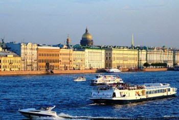 krstarenje petersburgom Rijekama i kanalima Peterburga  3830kn = aviokarta +ind. transfer + 3 izleta