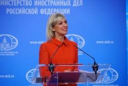 Sacharowa: Es ist nicht an Paris, Moskau beizubringen, wie man angemessen auf Proteste reagiert